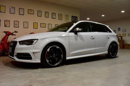 Chiudiamo il primo lavoro della settimana su  #Audi  #S3.. Il nostro incarico er…