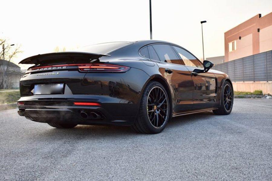 #Porsche  #PanameraTurboS questa volta però si tratta della versione  #eHybrid …