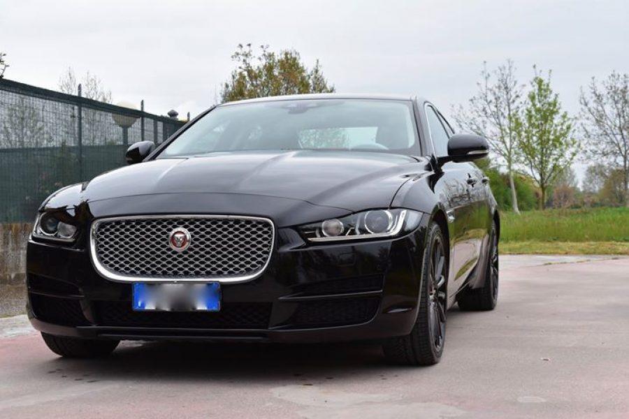 Consegnata anche questa  #Jaguar  #XE di cui ci siamo occupati della verniciatur…