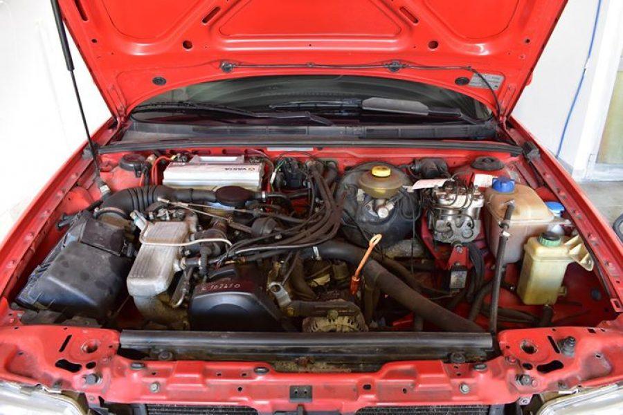Pulizia del vano motore di una bellissima  #Audi  #80    #lovemyjob  #mrdetailer…