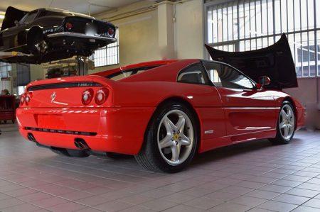 Una  #Ferrari  #F355gts con alle spalle 20 anni di vita, importata dall'estero e…