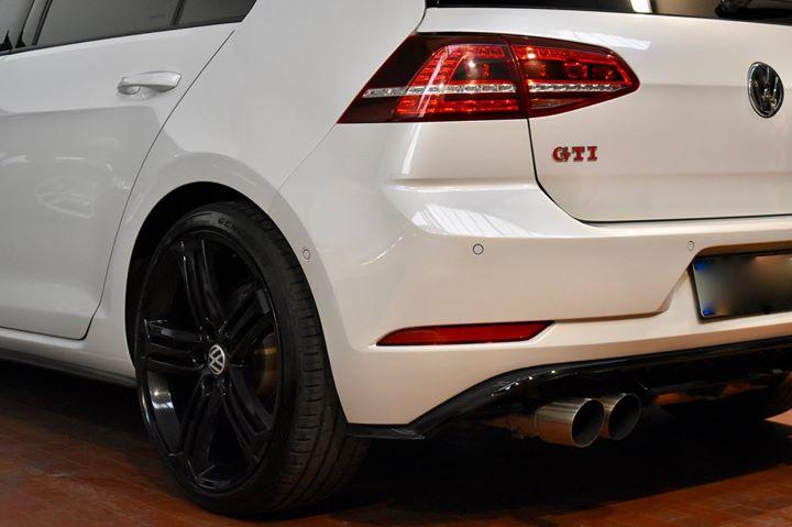 Un detailing di quelli che piacciono a noi su una  #Volkswagen  #GolfGTI  Siamo …