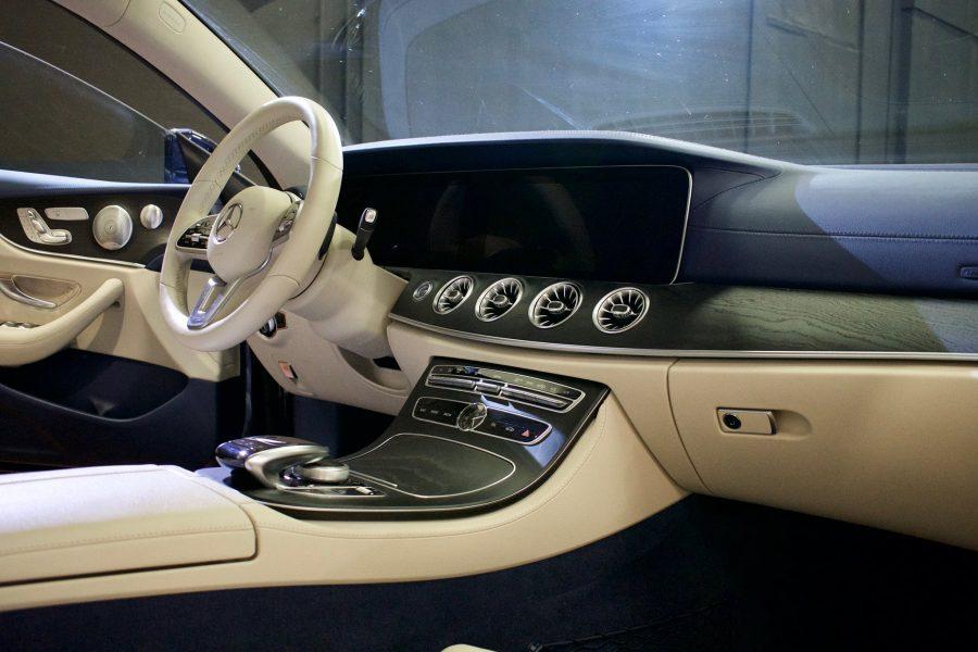 Su questa #Mercedes #ClasseE per evitare trasferimenti di colore e macchie su pe…